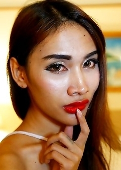 24 year old horny Thai ladyboy Cake gets a facial from tourist